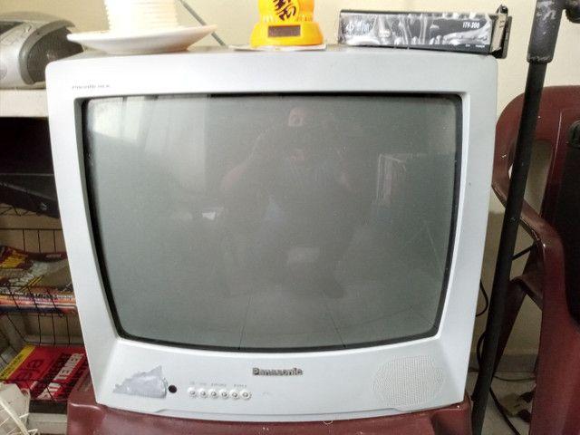 TV Panasonic em Ótimo Estado com Conversor