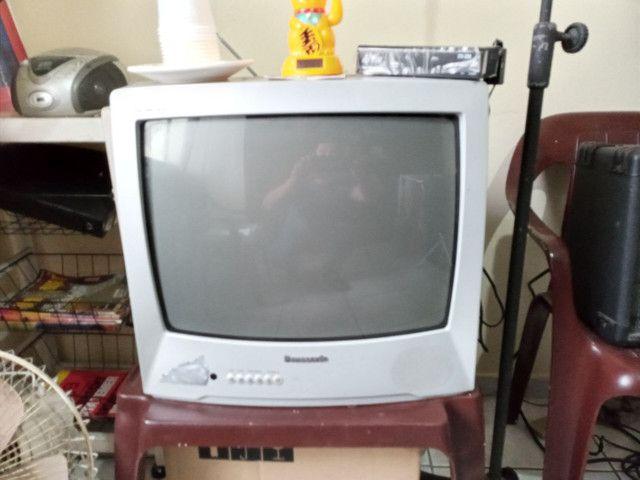 TV Panasonic em Ótimo Estado com Conversor  - Foto 4
