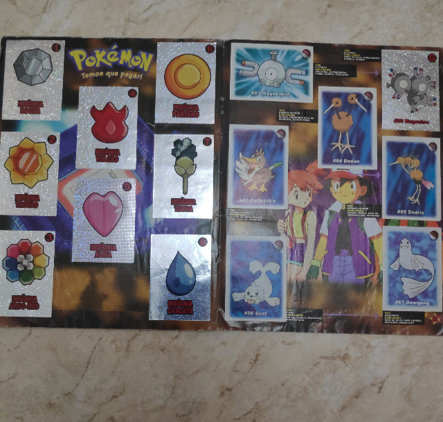 Álbum Pokémon - Temos que pegar Completo - Foto 3