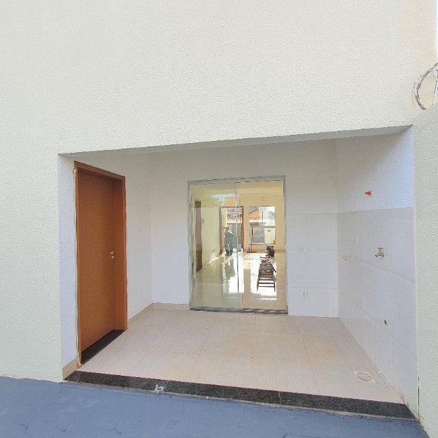 Sobrado 3 quartos no Antônio Barbosa, nunca habitado, construção com material de primeira - Foto 5
