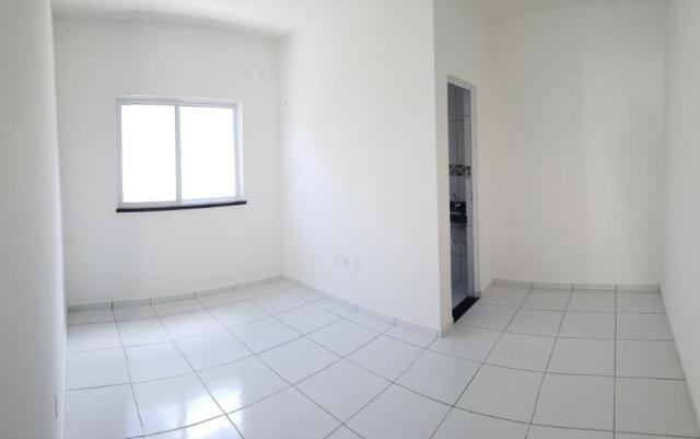 Casa com 3 quartos garagem para 2 carros e Varanda bem espaçosa com Documentação Grátis - Foto 16