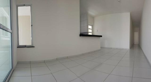 Casa com 3 quartos garagem para 2 carros e Varanda bem espaçosa com Documentação Grátis - Foto 7