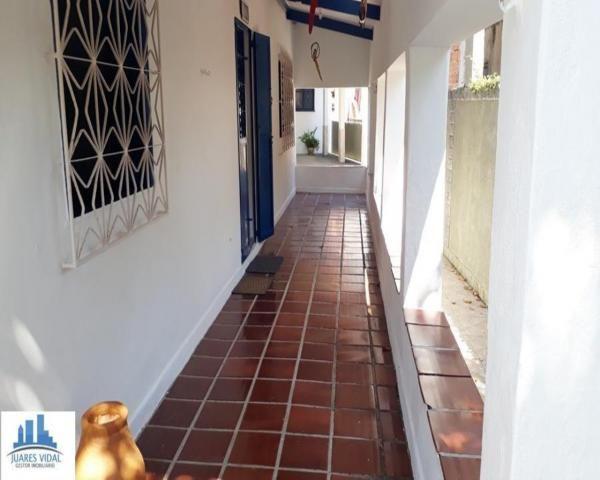 Casa linear, independente, com muito quintal e garagem no centro de Itacuruçá - Foto 20