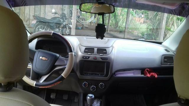 Vendo carro cobalt 1.4 bem conservado 2013 e 2014 não deve nada meu contato - Foto 5