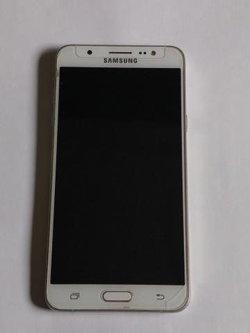 Vendo celular Samsung Galaxy j7 metal 2016