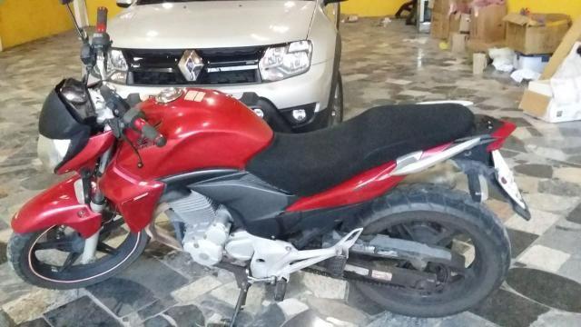 Moto cb 300R ANO 2013