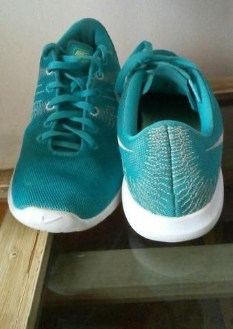 18bec7e115 Tênis Nike e Luva - Esportes e ginástica - Todos Os Santos