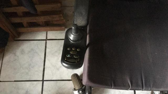 Cadeira de Rodas Elétrica - Foto 2