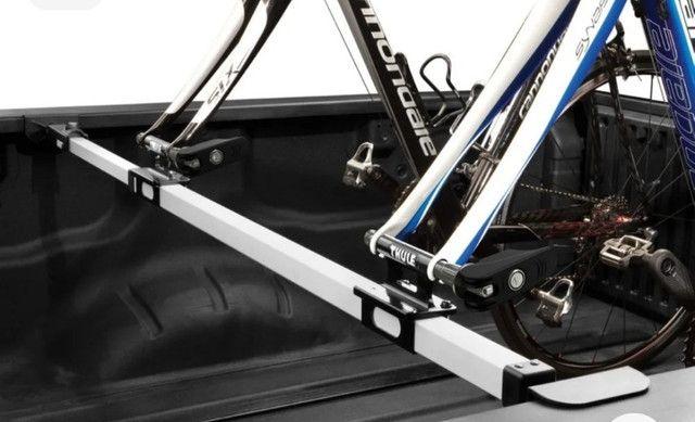 Suporte de Bicicleta Thule Usado para Caçamba (822 XT) + Adaptador Thule eixo 15mm(53015) - Foto 3