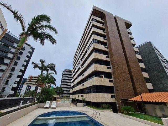 Apartamento para venda tem 248 metros quadrados com 4 quartos em Ponta Verde - Maceió - Al