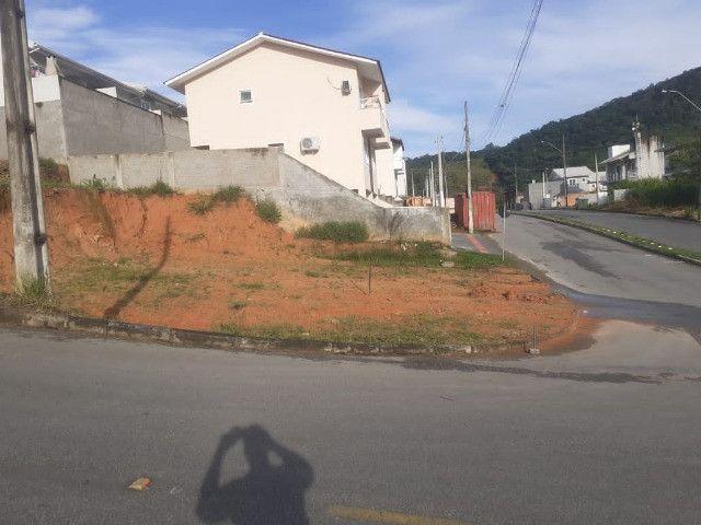 Terreno de esquina  nos loteamento Jardins / Palhoça - Foto 2