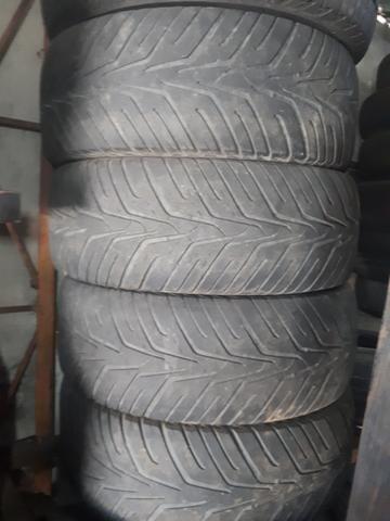 Vendo esse jogo de pneu Aro R18 265/60