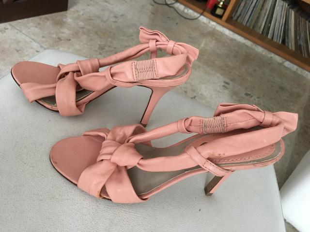 7bd51ce284 Sandália alta Schütz 35   sapato feminino 35 - Roupas e calçados ...