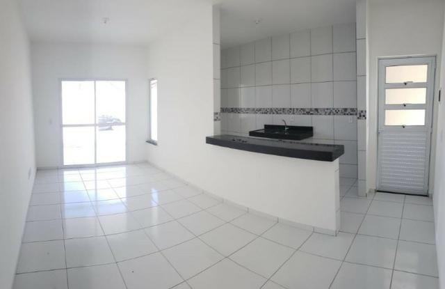 Casa com 3 quartos garagem para 2 carros e Varanda bem espaçosa com Documentação Grátis - Foto 6