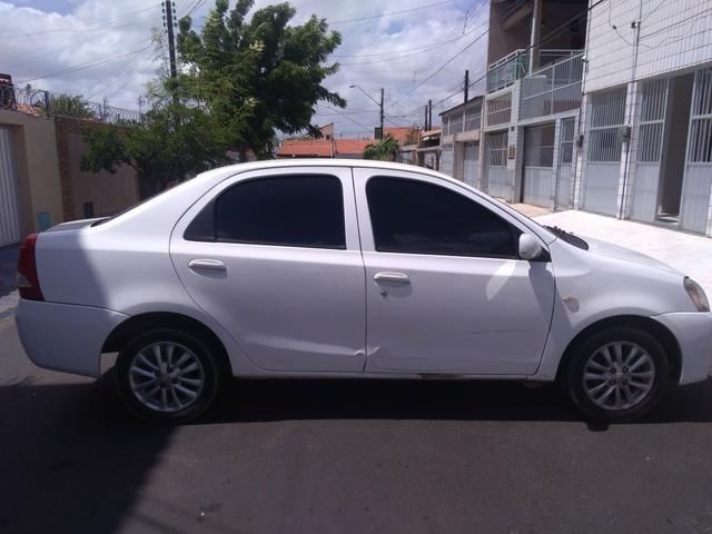 Vendo carro Etios sedan XLS, completo! 2012/2013 - Foto 3