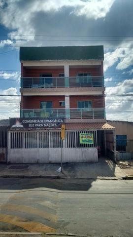 Alugo ótimo apartamento de 2 qts com varanda garagem QN8D riacho fundo 2