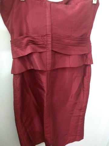 Vestido acetinado Marsala de festa Curto Tam 40 - Foto 4