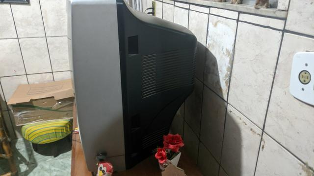 Televisão antiga - Foto 3