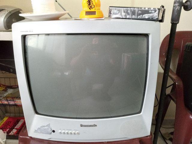 TV Panasonic em Ótimo Estado com Conversor  - Foto 5