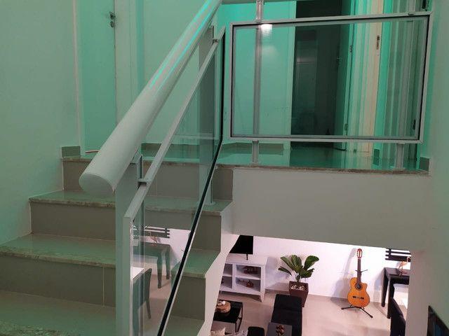 Casa de condomínio, possui 124 m2 com 3 quartos sendo 2 suítes e 1 semi-suíte - Foto 10