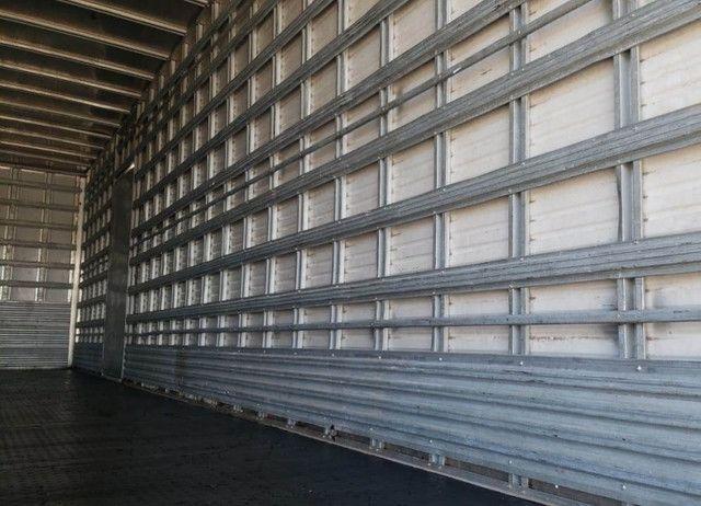 Ford Cargo 1317 - Truck 6x2 Baú de 11m - Foto 12