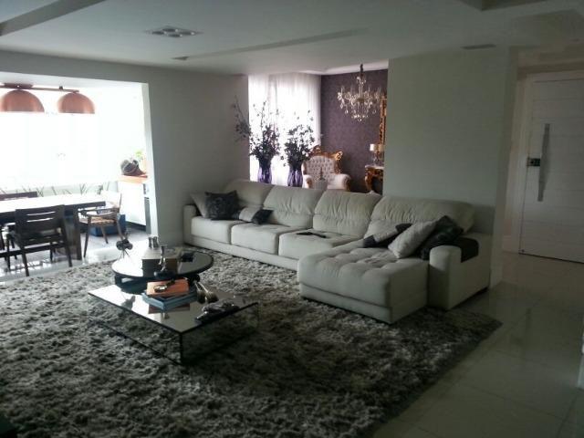 Excelente apartamento no Edifício Villa Maria