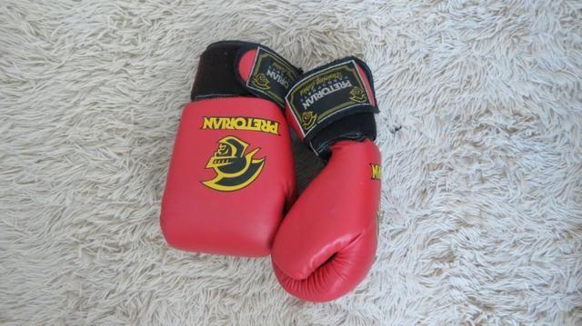 6d25faebf Luva de boxe muay thai 12 OZ vermelha - Pretorian - Pouquíssimo uso ...