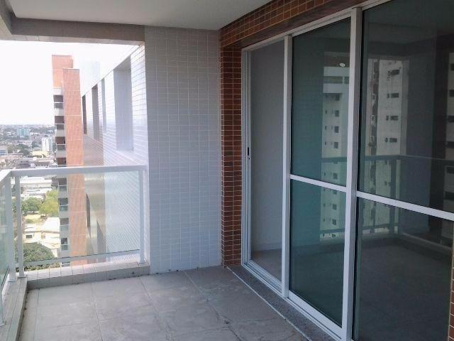 //Apto com 4 qrts sendo duas suítes no Condomínio Authentic no Adrianópolis - Foto 3