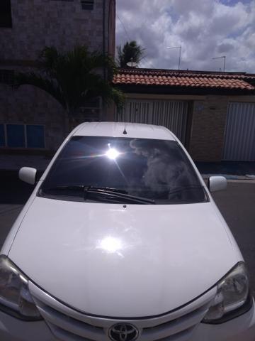 Vendo carro Etios sedan XLS, completo! 2012/2013 - Foto 5