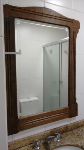 Belo espelho estilo antigo
