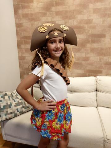 Fantasia de cangaceira ( chapéu, porta bala, saia de chita) - Foto 2