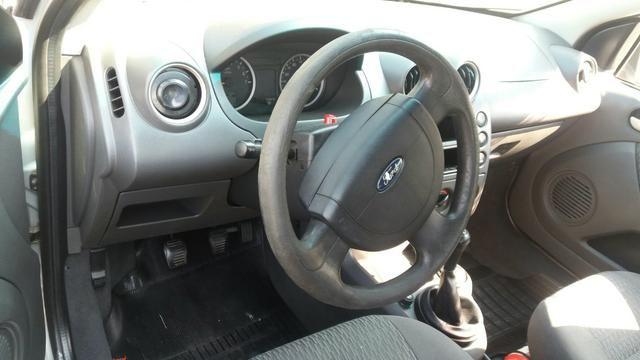 Ford Fiesta Sedan 1.6 2005 - Foto 7