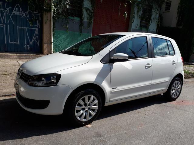 Volkswagen Fox 1.0 (Flex) 4p - 2013 - Foto 4