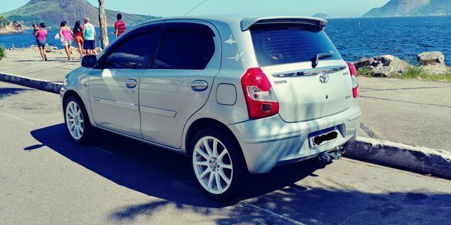 Toyota Etios e completo cano esportivo - Foto 5