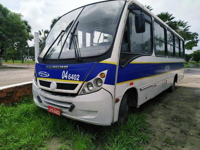 Micro-ônibus Lo 915