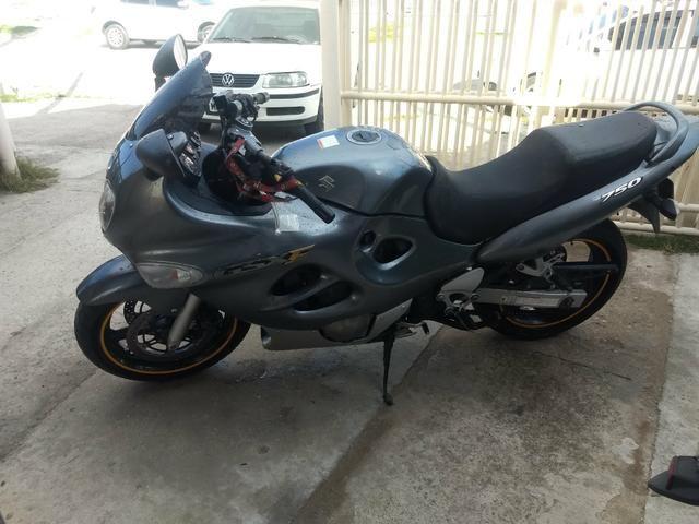 Raridade moto GSX 750 impecável