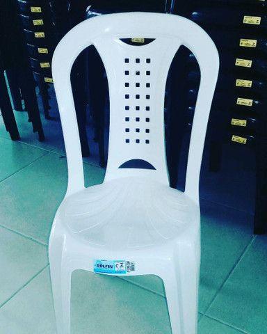 Cadeira Ipanema suporta 150kg Dolfin por 34,90