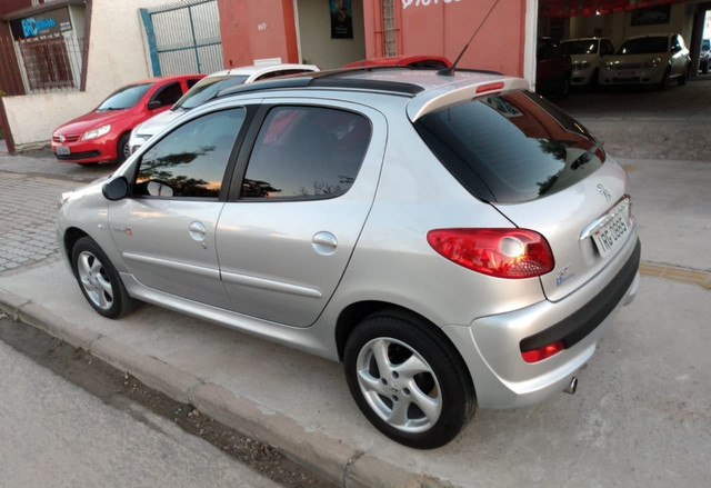 Peugeot 207 1.4 8v Quiksilver - Foto 5