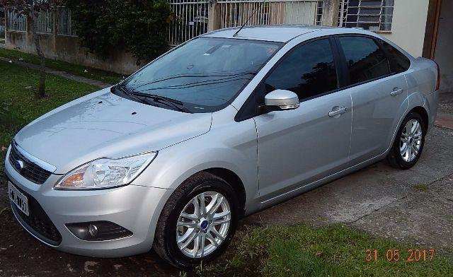 FORD FOCUS SEDAN 2.0