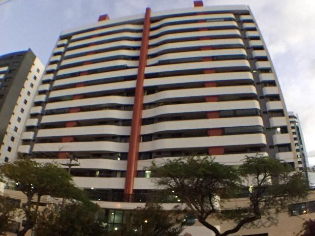 Excelente apartamento no Edifício Premium, 13 de Julho