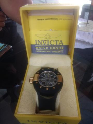 Vendo relógio invicta original 600,00