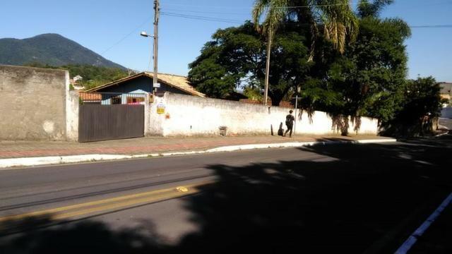 1621 - São 3 casas em terreno de 1260 m² - próxima a Base da Aeronáutica - Sul da Ilha - Foto 3