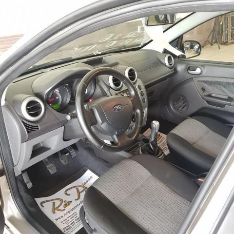 Ford Fiesta Sedan 1.6 12/13 - Troco e Financio! - Foto 9