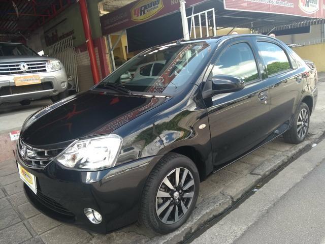 Etios sedan platinum 1.5 flex