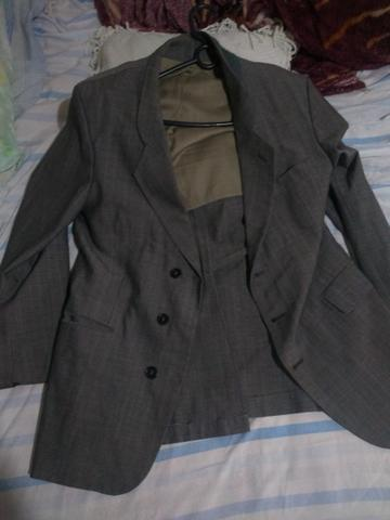 Terno: Calça N° 36 e Blazer N° 42 . Blazer preto: N° 44 + 2 gravatas - Foto 2