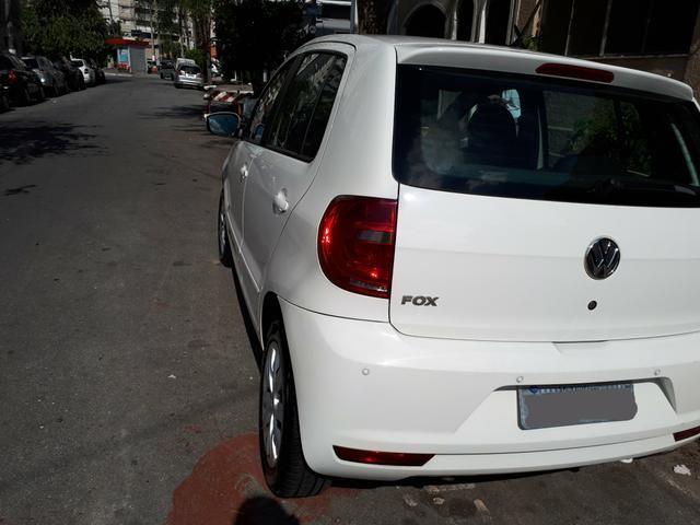 Volkswagen Fox 1.0 (Flex) 4p - 2013 - Foto 3