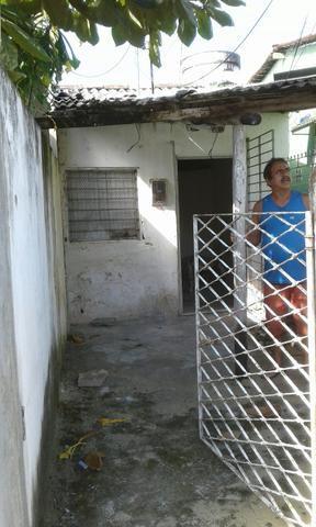 Casinha em casa forte na rua do açude de apipucos