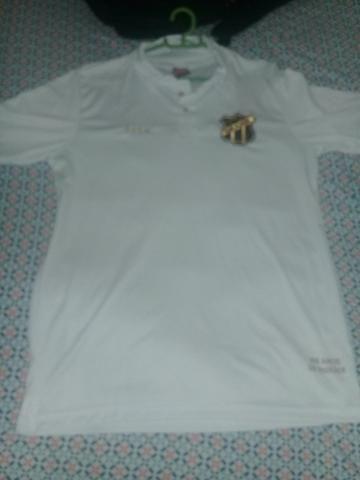 Vendo três blusas do Ceará sendo duas primeira linha e a outra original regata