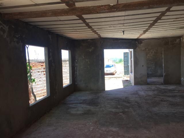 Casa inacabada de 3 qtos na entrada da Arniqueiras quadra 4 - Foto 15