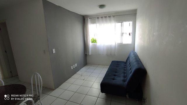 Apto. de 2/4 Semi Mobiliado próx. ao Hospital Metropolitano e Shopping Pátio. - Foto 2